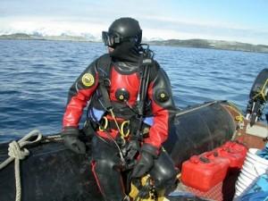 Sauso kostiumo nardymo kursai (Dry suit diver)